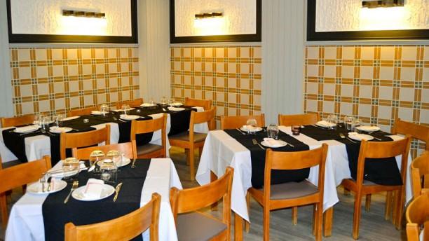 Três em Cena Restaurante Vista do interior