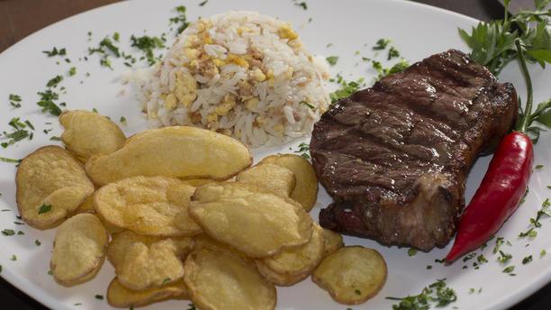 La Cumparsita Parrilla RW Bife de Chorizo com arroz biro-biro e batata soufle