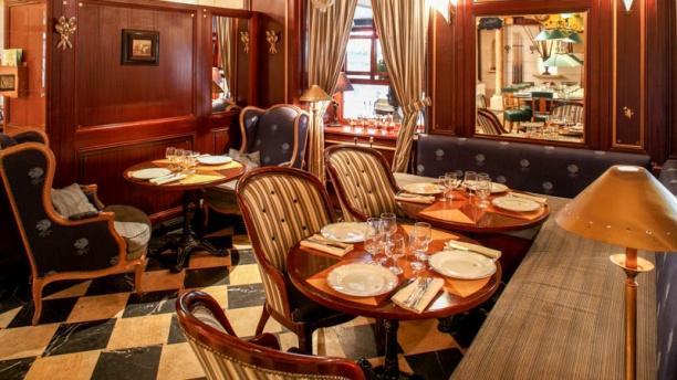 restaurant chez cl ment saint michel paris 6 me ile de la cit h tel de ville menu avis. Black Bedroom Furniture Sets. Home Design Ideas