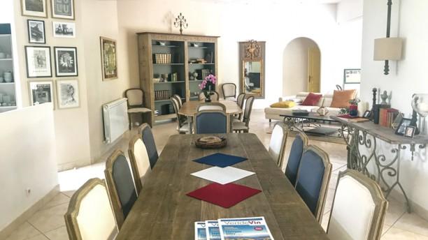 Hippolyte-France Salle du restaurant