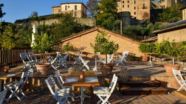 Antico Caseificio di Tabiano – Tabiano Castello La terrazza con vista Castello