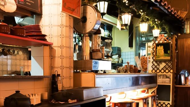 sala - Madragoa Café, Lisboa