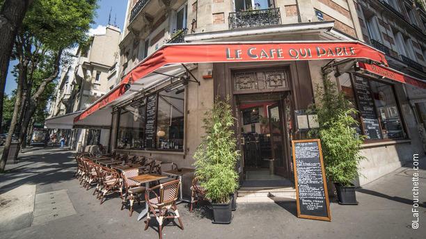 le caf qui parle restaurant 24 rue caulaincourt 75018. Black Bedroom Furniture Sets. Home Design Ideas