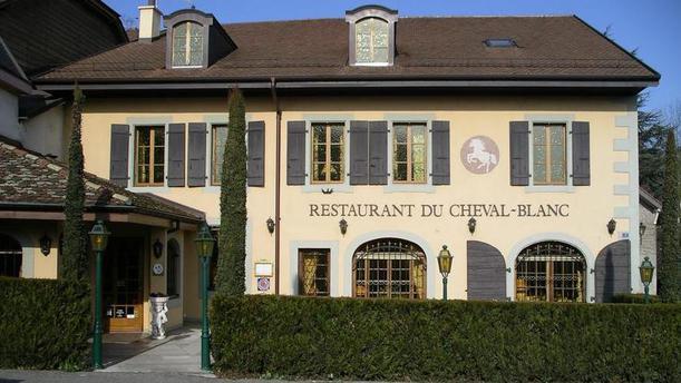 Le Cheval Blanc Façade