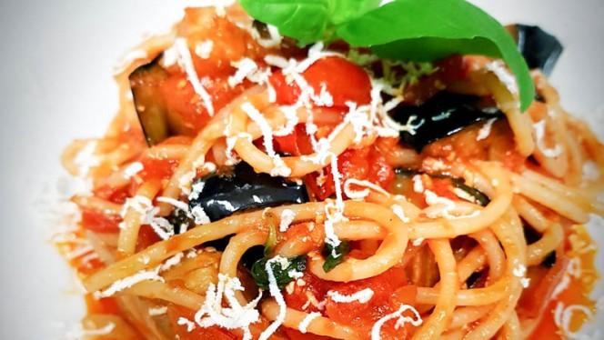Spaghetti alla norma - Pulcini Ristorante Italiano, Leça da Palmeira