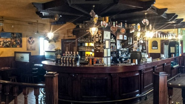 Beer Spring Pub sala-bancone