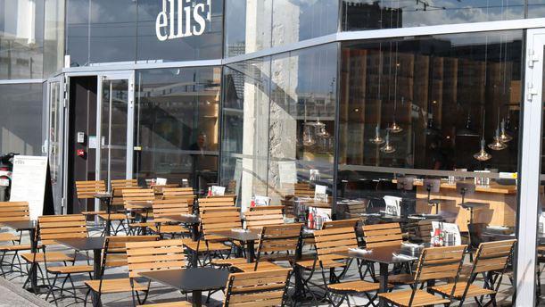 Restaurant ellis gourmet burger rosa parks paris 75019 la villette menu avis prix et - Decathlon paris 19 rosa parks paris ...