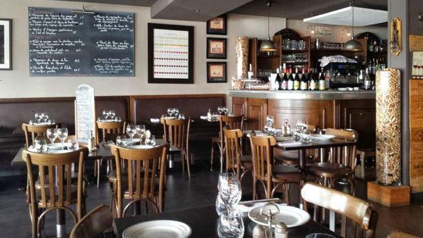 Le bistro quai in saint laurent du var restaurant - Restaurant port de saint laurent du var ...
