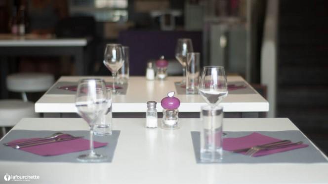 Détail de la table - Oenobar, Aix-en-Provence