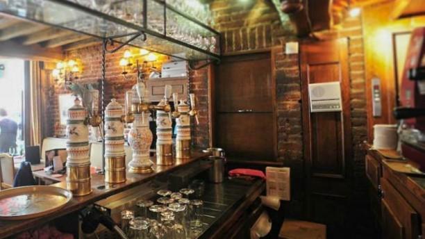 Le Paon bar