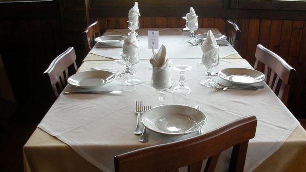 La Lampara tavola elegante.JPG