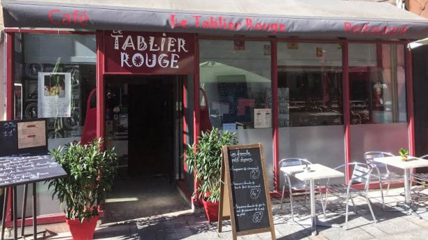Le Tablier Rouge Terrasse