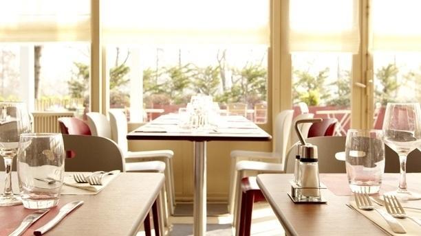 Campanile Besançon Ouest - Châteaufarine Salle du restaurant