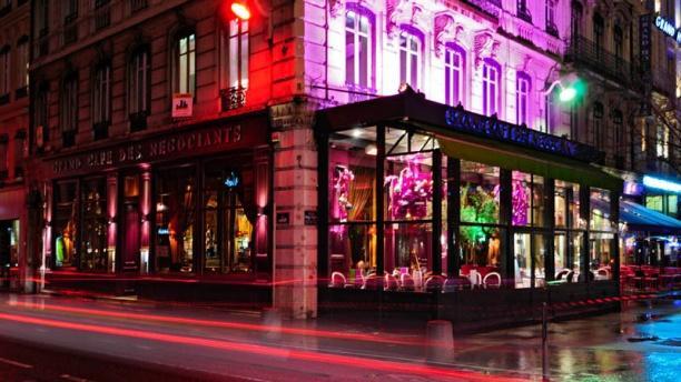 Grand Café des Négociants Vue Extérieur