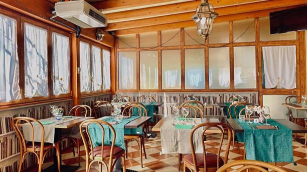 La Veranda dell'Hotel Villa Sara Veduta dell interno