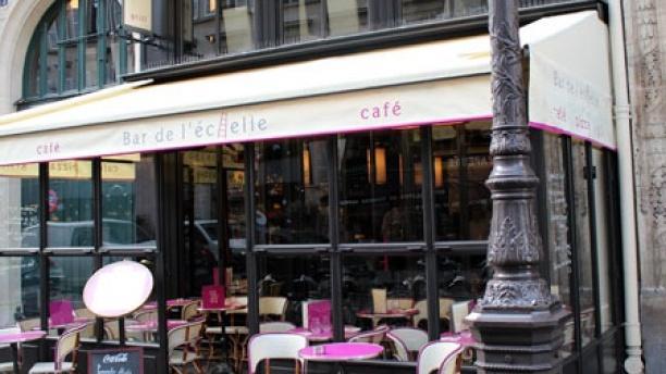 Café De L'échelle Devanture