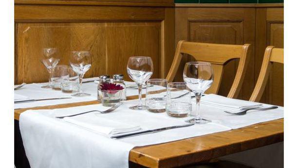 L 39 esprit de sel brasserie in brussels etterbeek restaurant reviews menu and prices thefork - Mise en place table restaurant ...