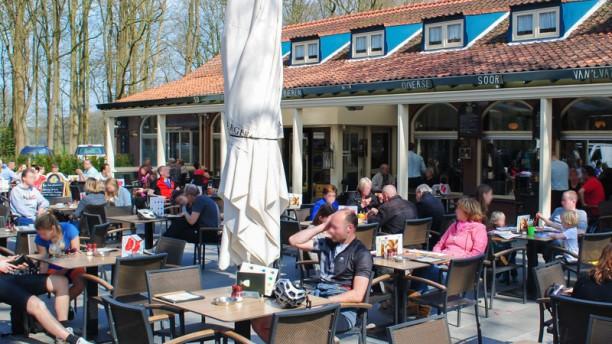 Café-Restaurant De Roestelberg Terras