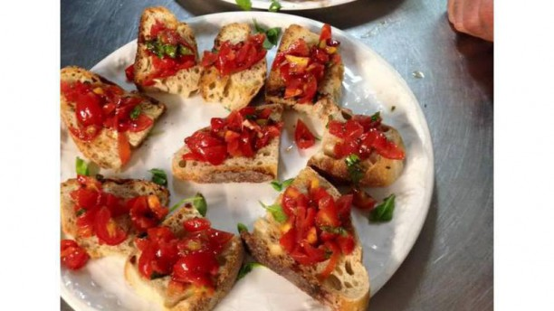 Pallino's bruschettina al pomodoro