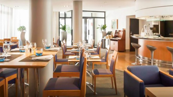Restaurant Novotel Pont De Sevres A Sevres 92310 Menu Avis