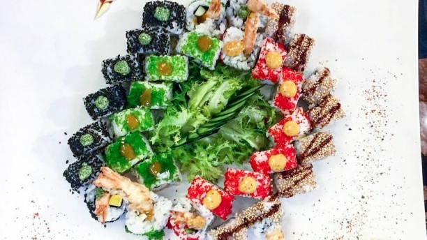 Chapado De Sushi Mix Combo Uramaki