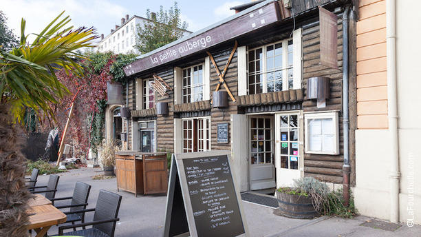La Petite Auberge - Restaurant, 2 Place Eugène Wernert 69005 Lyon ...