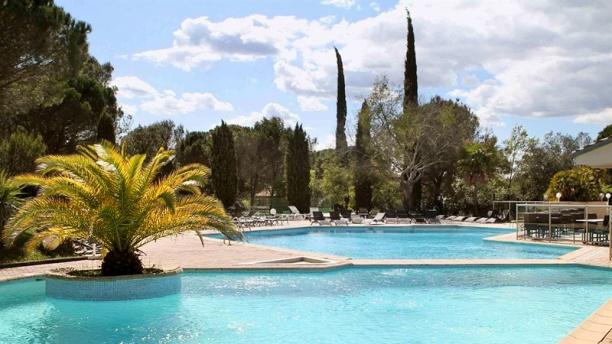 Hôtel Mercure - Côté Pinède La piscine