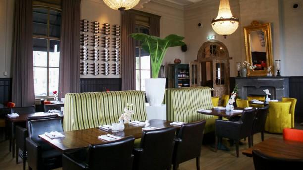 Grand Athina Het restaurant