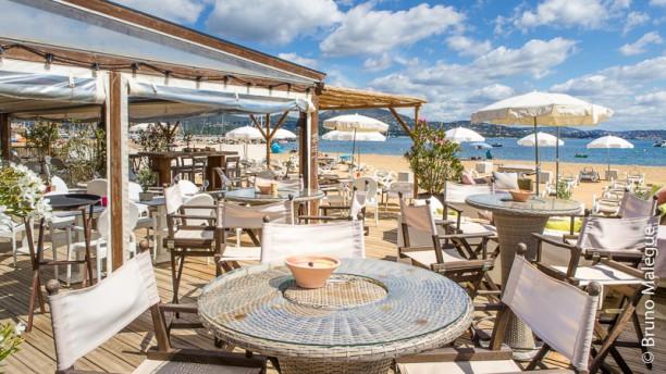 https://u.tfstatic.com/restaurant_photos/722/65722/169/612/hippie-chic-aprecu-de-l-interieur-faacf.jpg