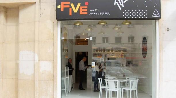 Five Entrada