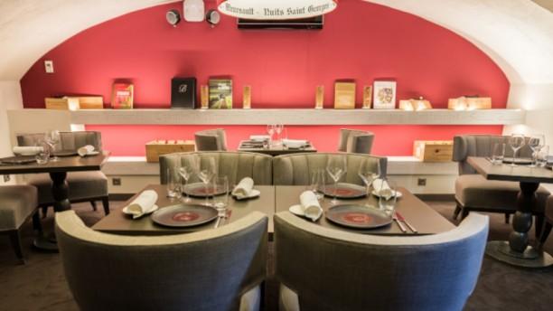 Burgundy By Matthieu Salle du restaurant