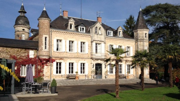 Chateau de Buros Devanture
