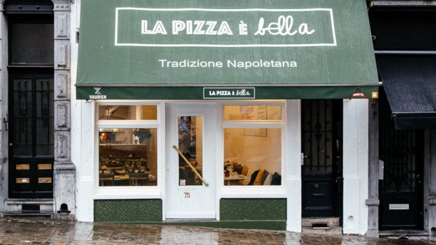 La Pizza è Bella Façade