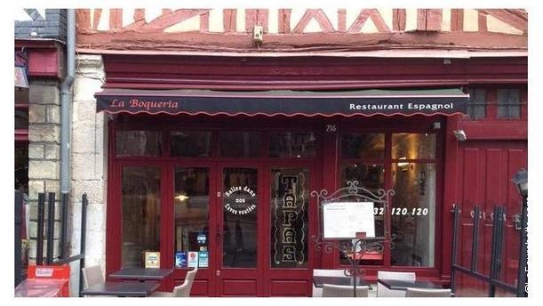 La Boqueria Restaurant Nouvelle façade en rouge Malaga