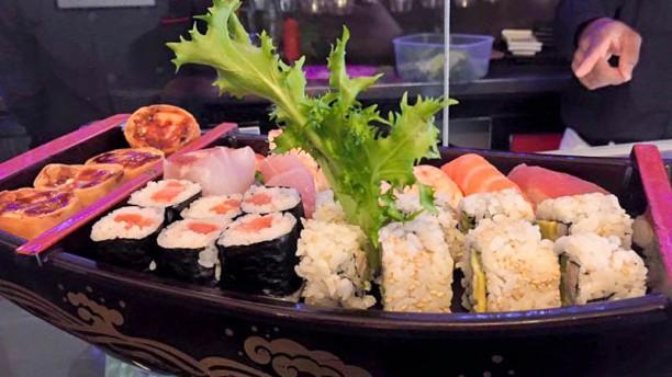 It's sushi robata Piatto