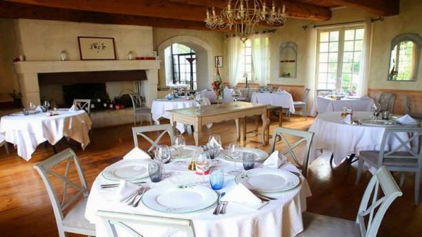 La Maison de Bournissac Salle du restaurant