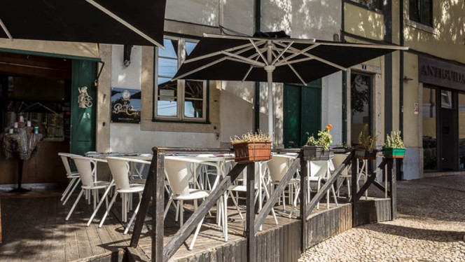 Esplanada - Le Petit Café, Lisboa