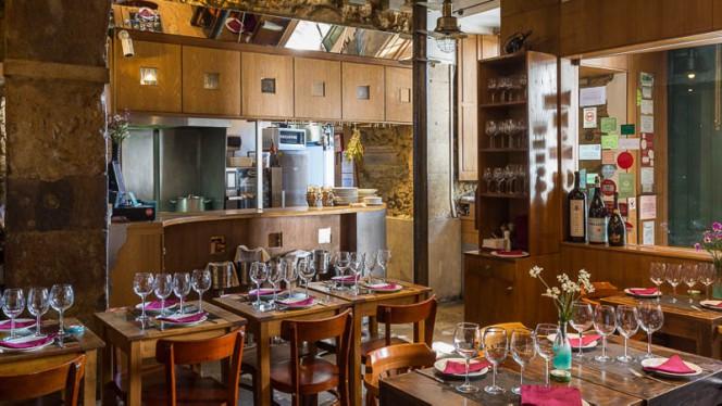 Vista da sala - Le Petit Café, Lisboa