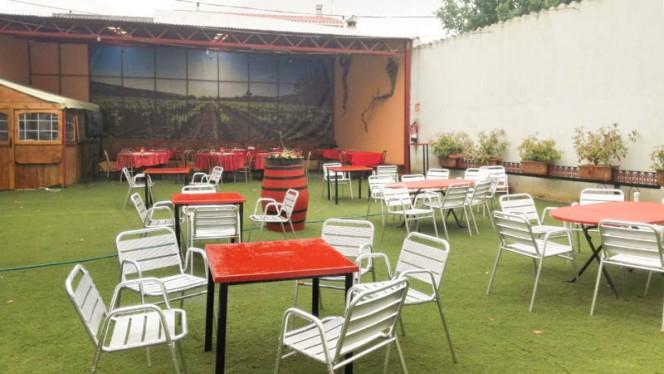 Terraza - Bodega Restaurante Narciso, Colmenar De Oreja