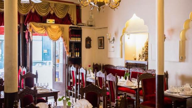 restaurant ambiance de l 39 inde paris 75005 quartier. Black Bedroom Furniture Sets. Home Design Ideas
