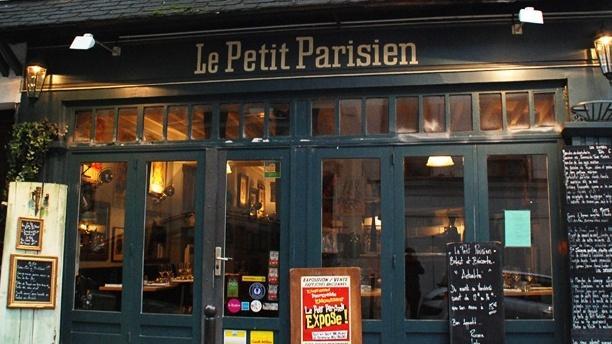 Le Petit Parisien Bienvenue au restaurant Le Petit Parisien