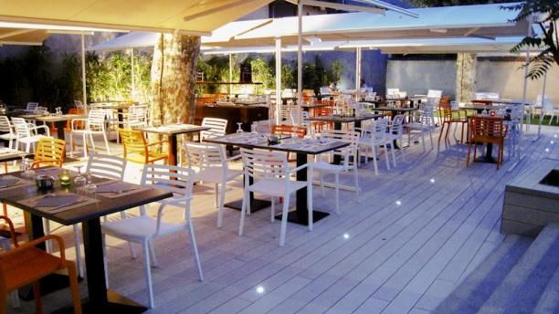Restaurant o jardin lyon 69009 gorge de loup menu for Restaurant dans un jardin