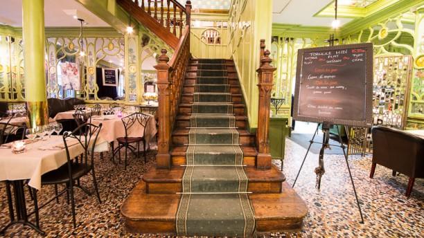 Bouillon racine in paris restaurant reviews menu and for Restaurant le miroir paris 18