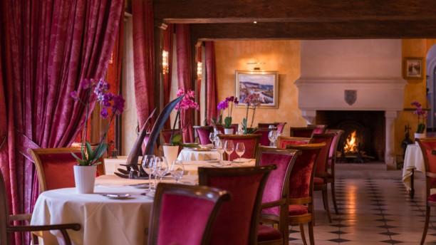 La cha ne d 39 or h tel restaurant 25 27 rue grande 27700 for Chaine hotel