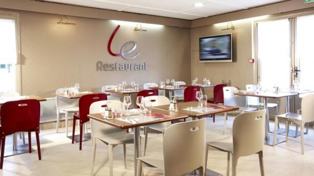 Hôtel et Restaurant Campanile Le restaurant