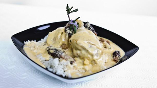 Restaurant Grenouilles et Délices Poulet de Bresse du Village à la crème