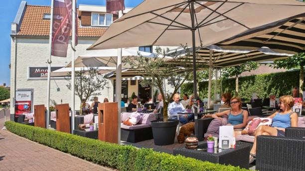 Hotel-Restaurant De Maasparel Terras