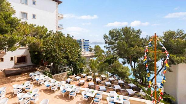 BUFFET LIBRE HOTEL ROC ILLETAS Terraza