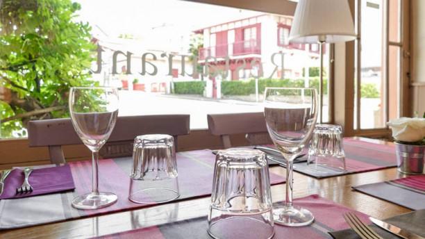 La table du maria christina restaurant 13 rue paul - La table du comtat seguret 84 ...