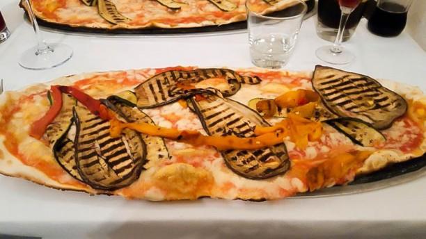 Kon Tiki Pizza